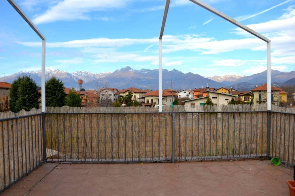 Appartamento in ottime condizioni in vendita Rif. 4973103