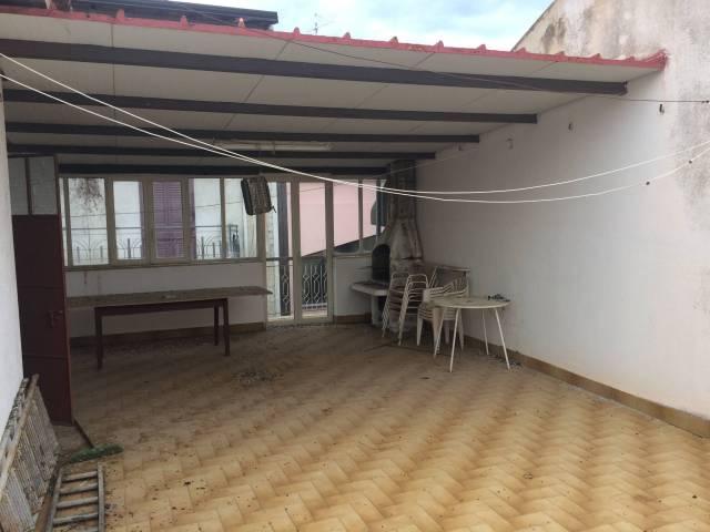 Appartamento in buone condizioni in vendita Rif. 7190670
