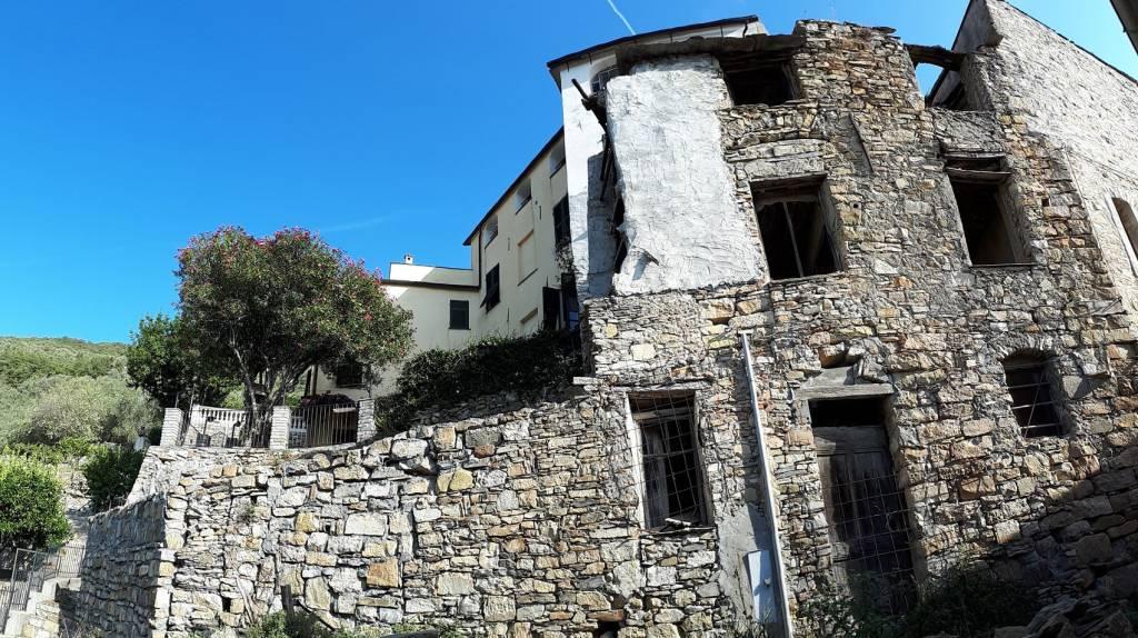 Rustico / Casale in vendita a Pontedassio, 6 locali, prezzo € 10.000 | CambioCasa.it