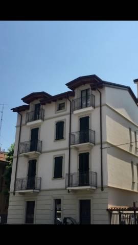 Appartamento parzialmente arredato in affitto Rif. 7184986