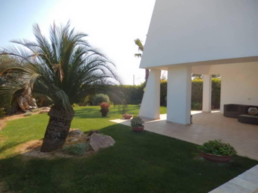 Villa in ottime condizioni arredato in vendita Rif. 8425871
