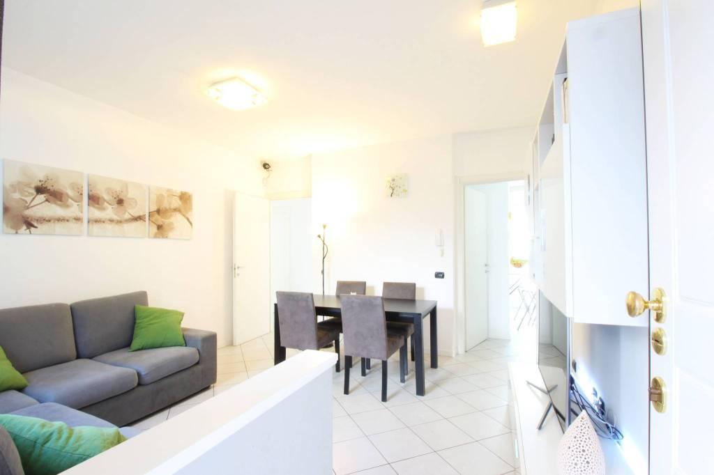 Appartamento in ottime condizioni in vendita Rif. 4270416