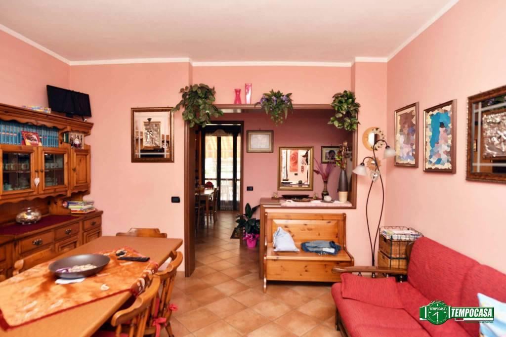 Soluzione Indipendente in vendita a Settimo Torinese, 7 locali, prezzo € 275.000 | CambioCasa.it