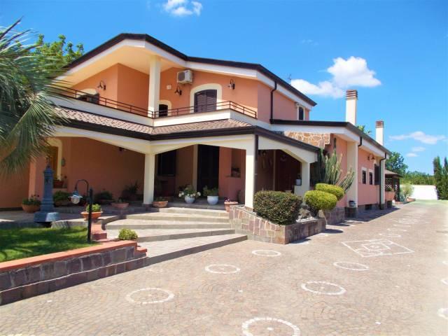 Villa in ottime condizioni in vendita Rif. 4301065