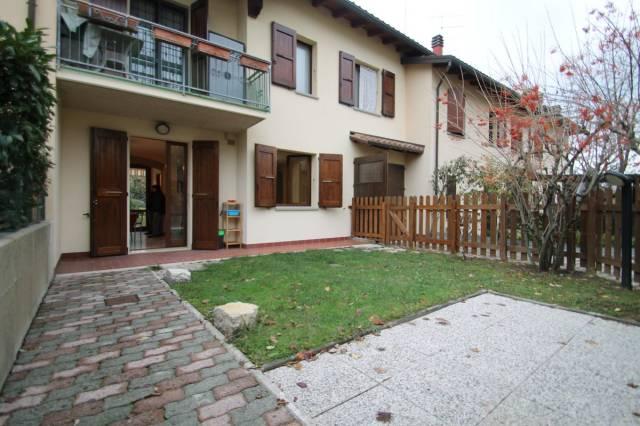 Appartamento in ottime condizioni in vendita Rif. 4272083