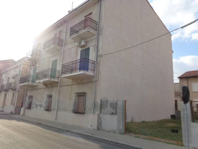 Appartamento in buone condizioni in vendita Rif. 4221300