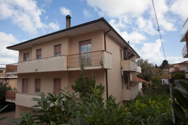 Casa Indipendente in buone condizioni in vendita Rif. 4988782