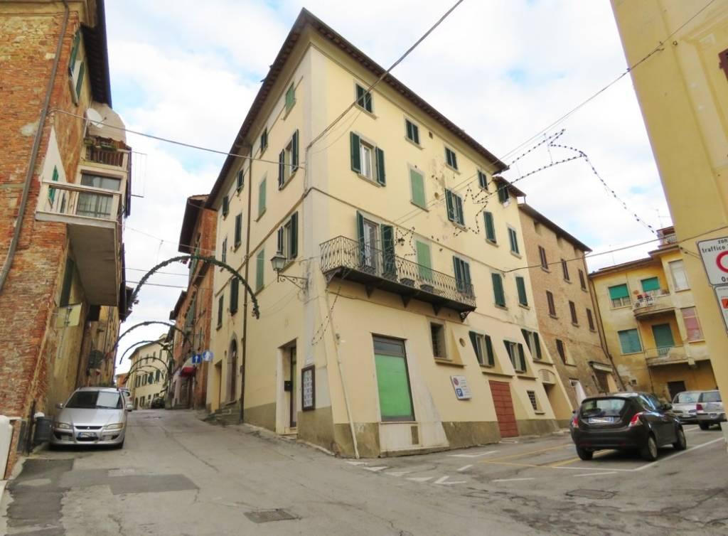 Appartamento in affitto a Foiano della Chiana, 2 locali, prezzo € 395 | CambioCasa.it