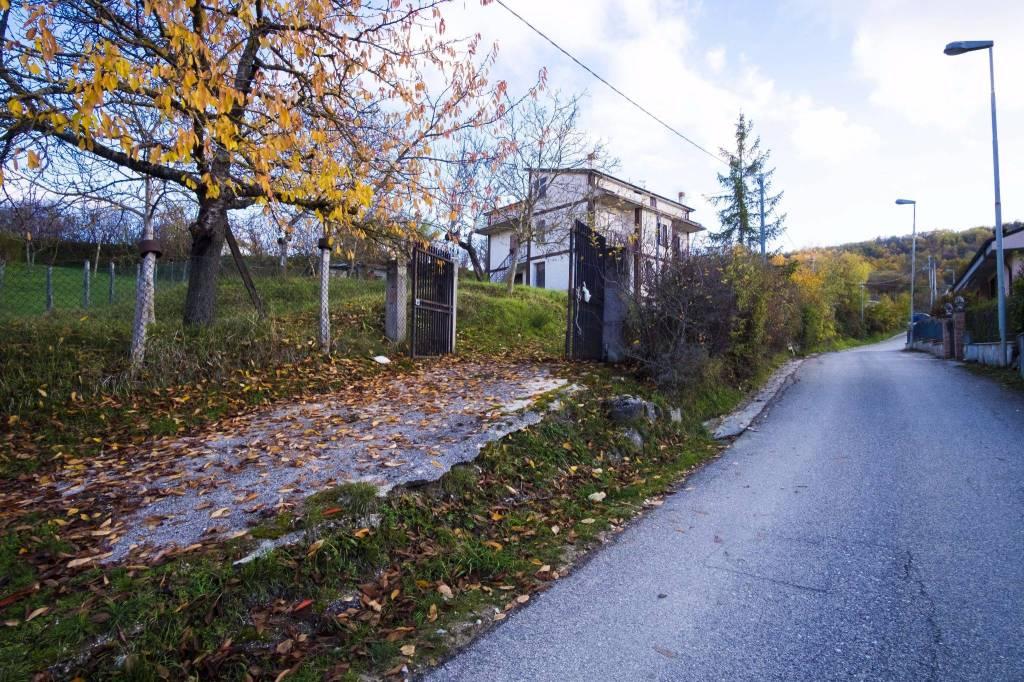 Villa in buone condizioni in vendita Rif. 4197532