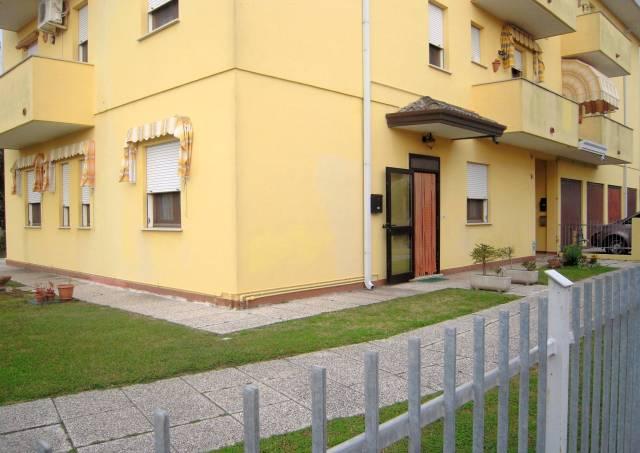Appartamento in buone condizioni arredato in vendita Rif. 4277478