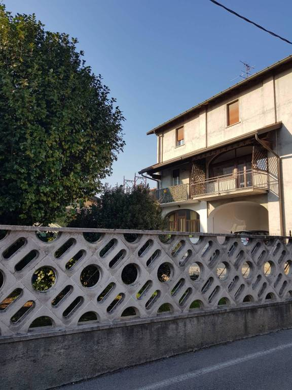 Soluzione Indipendente in vendita a Bregnano, 6 locali, prezzo € 230.000 | CambioCasa.it