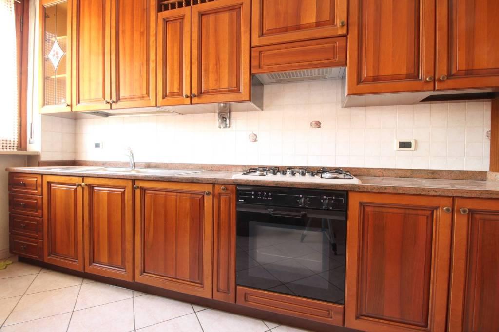 Appartamento in buone condizioni arredato in affitto Rif. 8759160