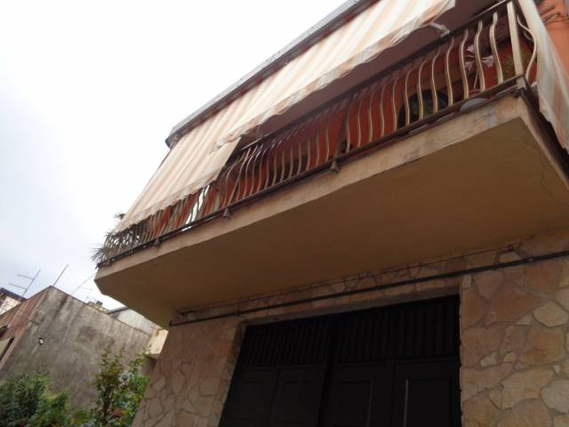 Appartamento in buone condizioni in vendita Rif. 4179106
