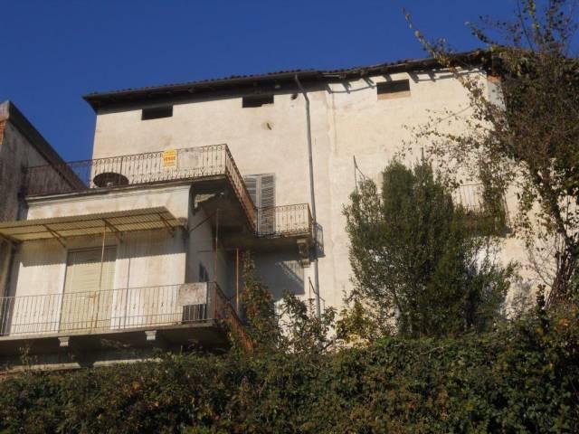 Casa Indipendente da ristrutturare in vendita Rif. 4183588