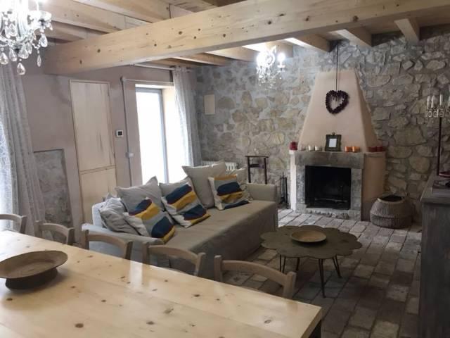 Casa indipendente quadrilocale in vendita a Tagliacozzo (AQ)