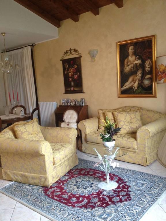 Villa in vendita a Borgarello, 3 locali, prezzo € 305.000   CambioCasa.it