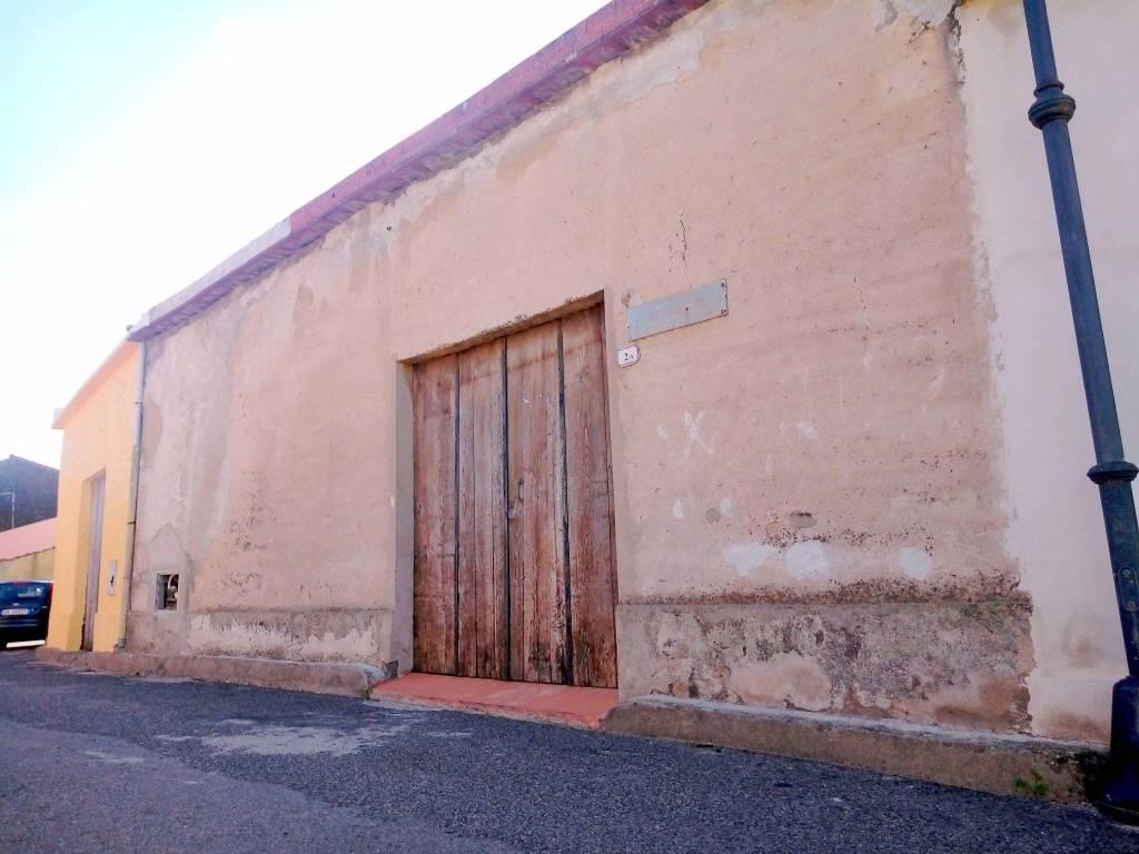 Magazzino monolocale in vendita a Riola Sardo (OR)