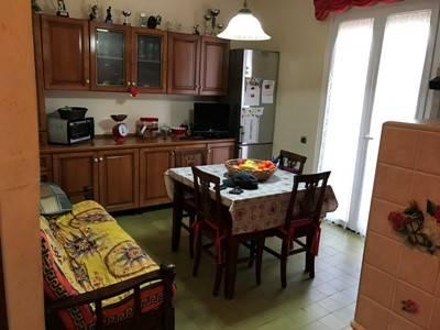 Appartamento in buone condizioni arredato in vendita Rif. 7785371