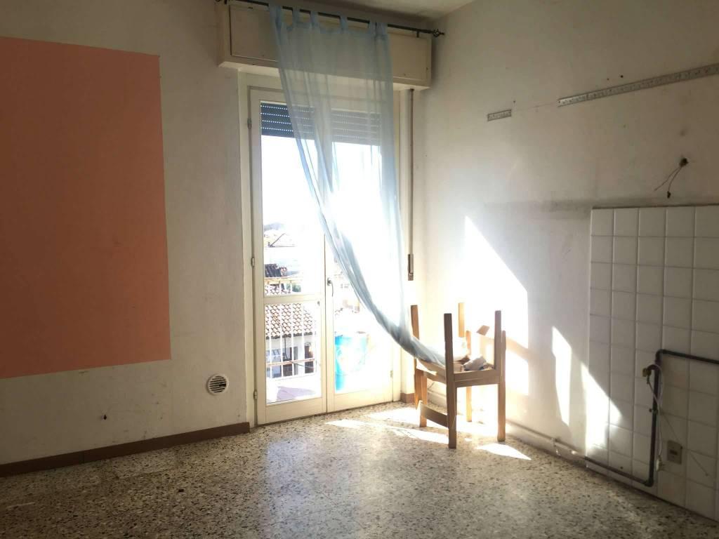 Appartamento in vendita a Oggiona con Santo Stefano, 3 locali, prezzo € 49.000 | CambioCasa.it