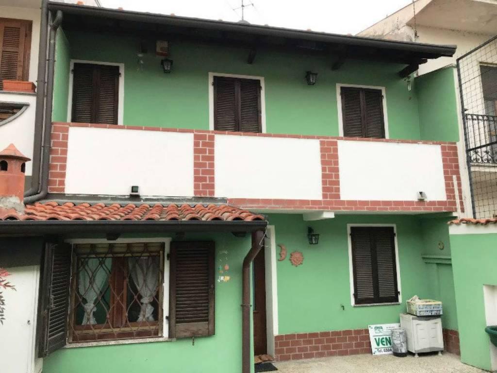 Soluzione Indipendente in vendita a Parona, 4 locali, prezzo € 80.000 | CambioCasa.it