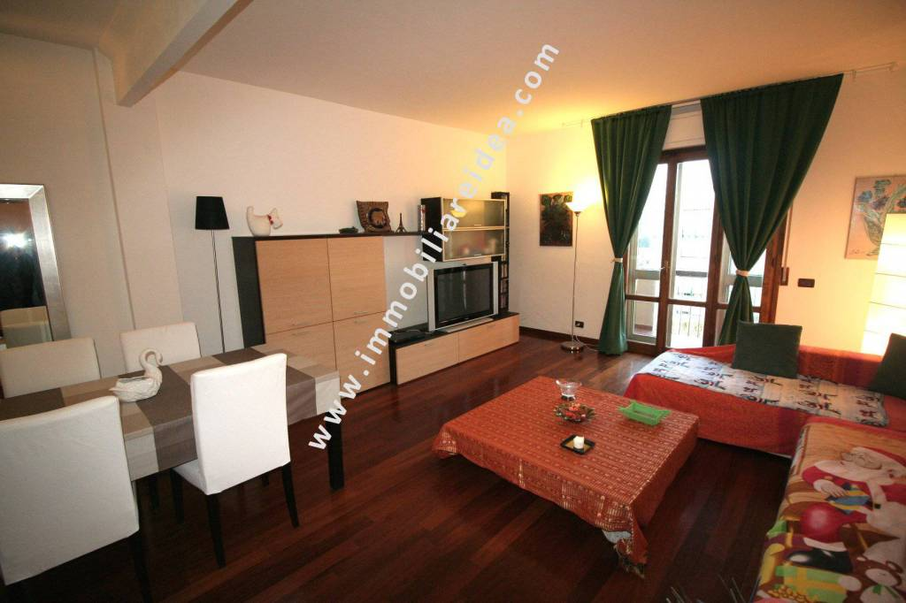 Appartamento in Vendita a Rosignano Marittimo Centro: 5 locali, 100 mq