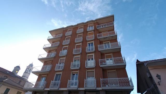 Appartamento in buone condizioni arredato in affitto Rif. 4980445