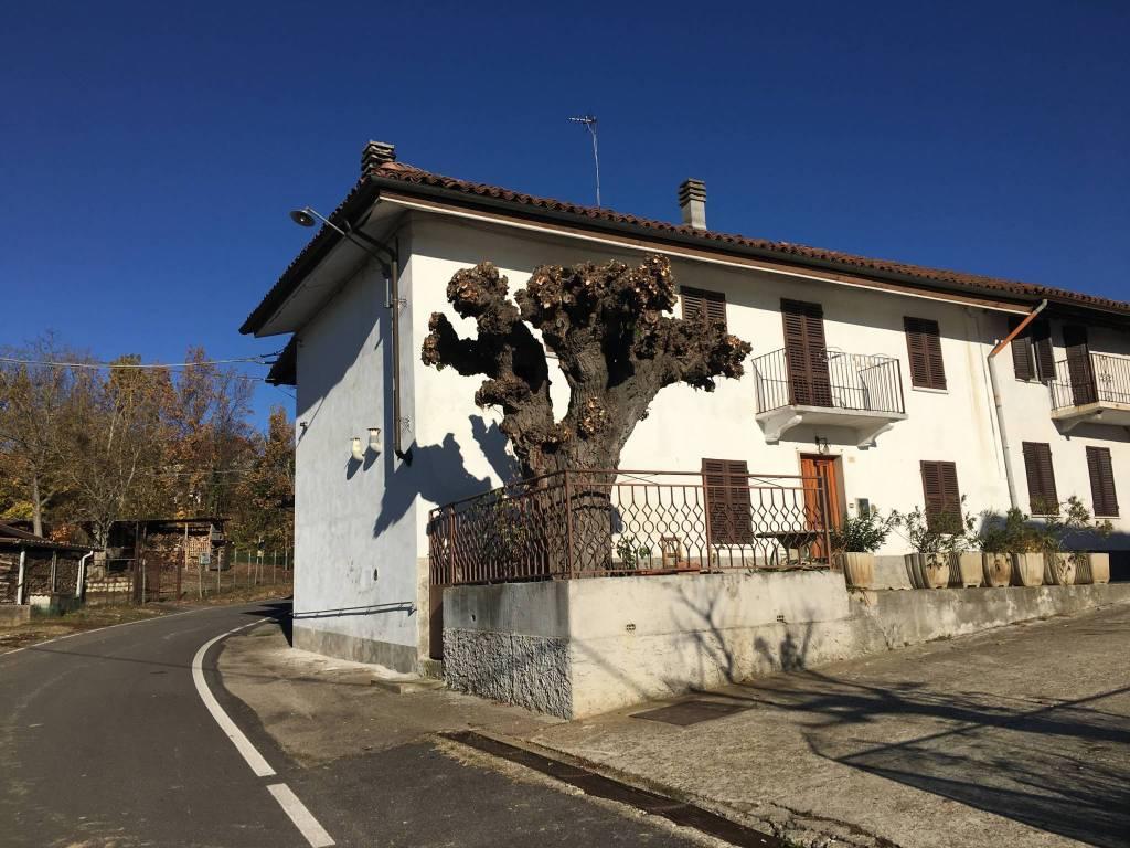 Foto 1 di Rustico / Casale via Bricco Scaiola, Monale