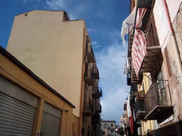 Appartamento in Affitto a Palermo Centro: 2 locali, 55 mq