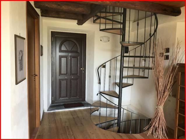 Appartamento in ottime condizioni arredato in vendita Rif. 4483989