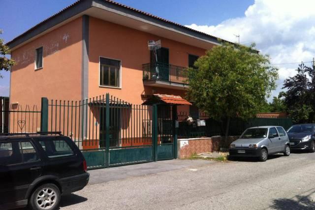 Appartamento in buone condizioni in vendita Rif. 4299282