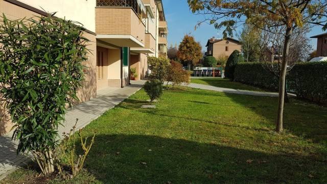 Appartamento in buone condizioni arredato in vendita Rif. 4324110