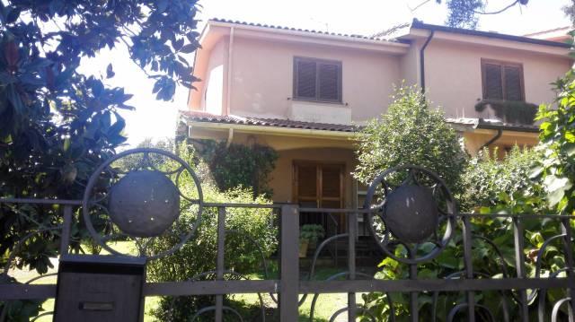 Villa a schiera trilocale in affitto a Nepi (VT)