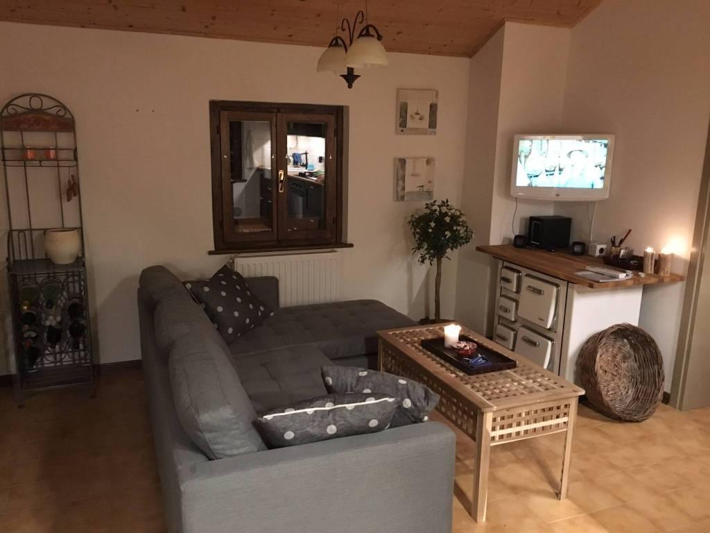 Appartamento in ottime condizioni arredato in vendita Rif. 5030976