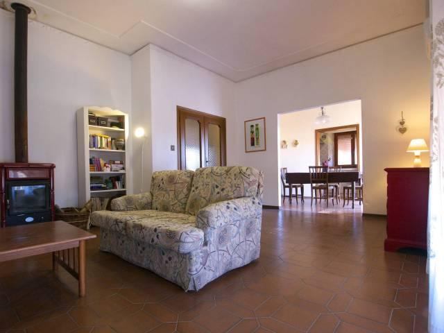 Villa in buone condizioni in vendita Rif. 5296025