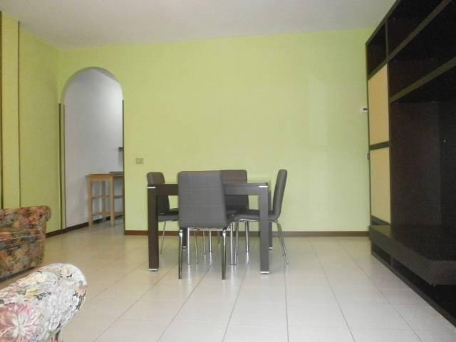 Appartamento in buone condizioni parzialmente arredato in vendita Rif. 4969484