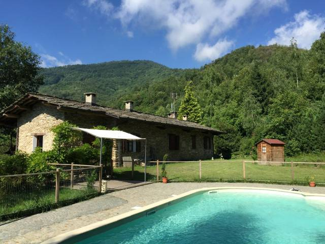 Attività / Licenza in affitto a Bagnolo Piemonte, 6 locali, prezzo € 2.000 | CambioCasa.it