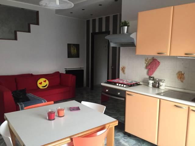 Appartamento in buone condizioni in vendita Rif. 4241839