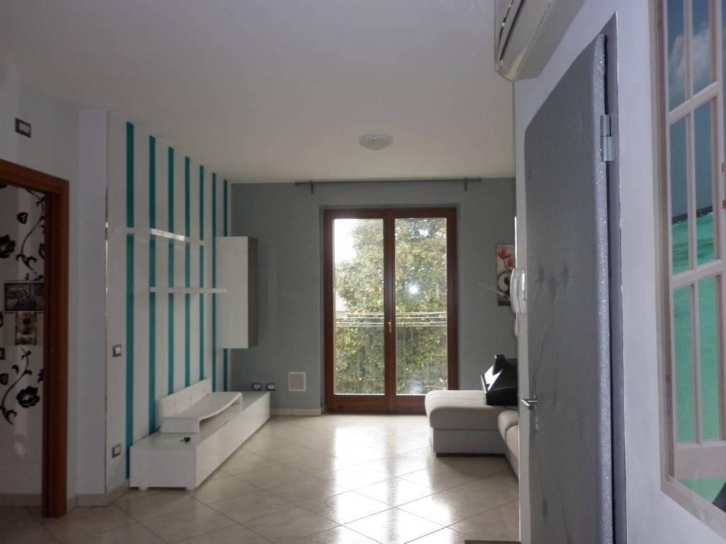 Appartamento in ottime condizioni arredato in vendita Rif. 4365385