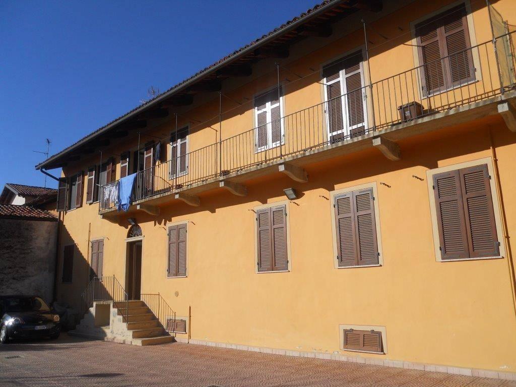Appartamento in ottime condizioni parzialmente arredato in affitto Rif. 8573156