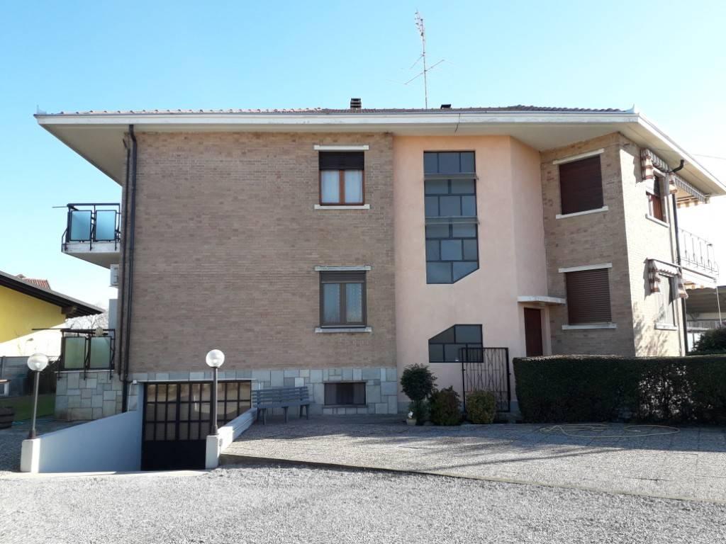Appartamento in buone condizioni in vendita Rif. 4239318