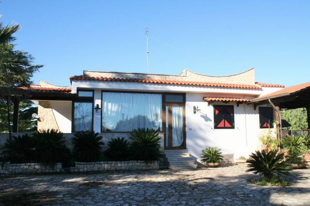 Villa in buone condizioni in vendita Rif. 4972521