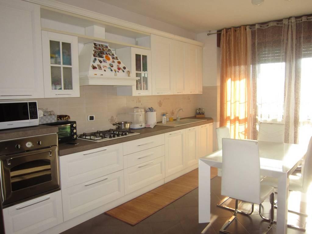 Appartamento in ottime condizioni in vendita Rif. 4849261