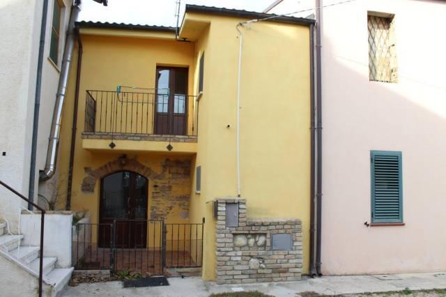 Rustico / Casale in vendita a Rosciano, 6 locali, prezzo € 80.000 | Cambio Casa.it