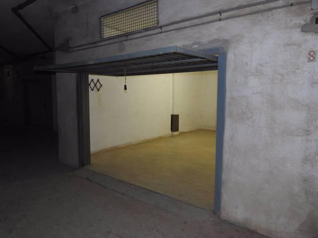 Box e posti auto in buone condizioni in vendita Rif. 4936287