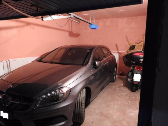 Box e posti auto in buone condizioni in vendita Rif. 4936288