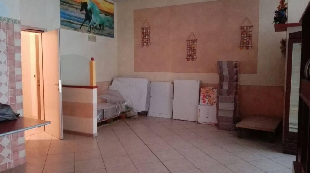 Negozio / Locale in affitto a Travagliato, 1 locali, prezzo € 900 | CambioCasa.it