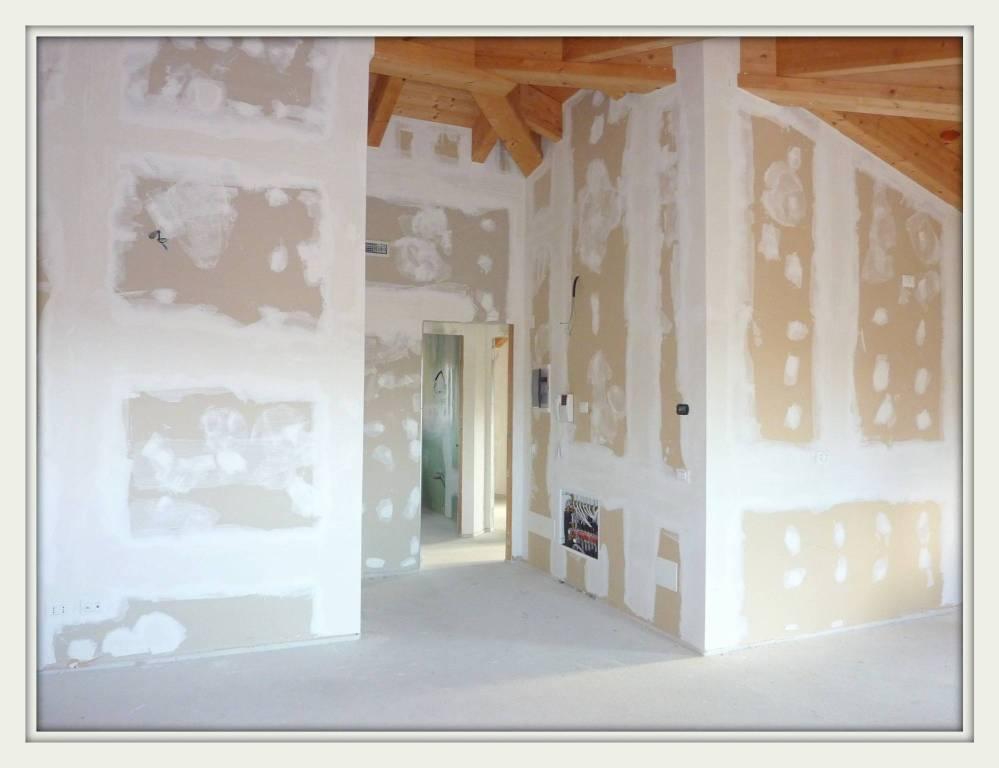 Appartamento in vendita a Olgiate Comasco, 3 locali, prezzo € 245.000 | CambioCasa.it