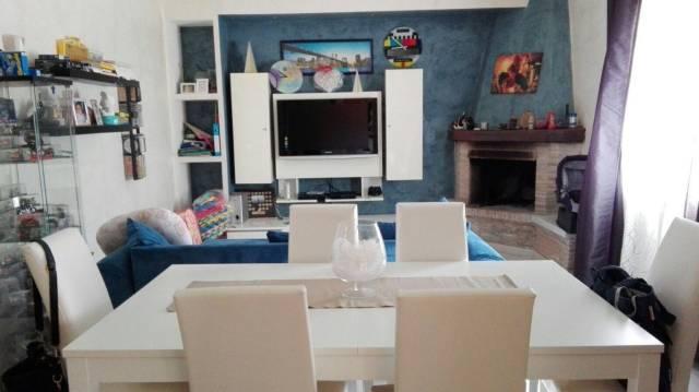 Appartamento in ottime condizioni in vendita Rif. 4298726