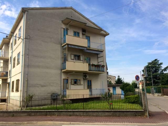 Appartamento in vendita a Cormons, 3 locali, prezzo € 47.000 | CambioCasa.it