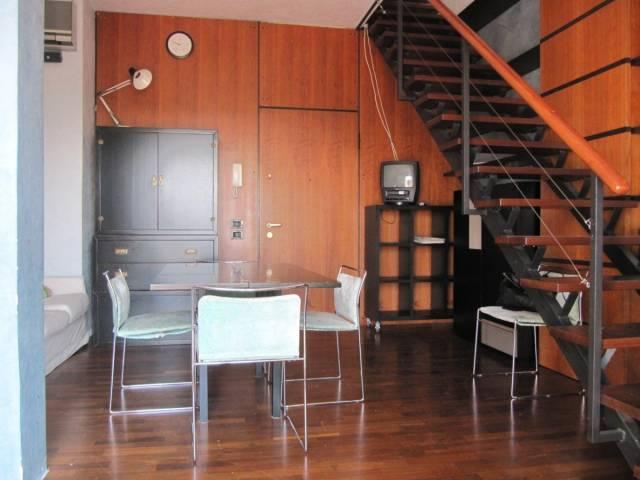 Attico / Mansarda in buone condizioni arredato in affitto Rif. 4396844